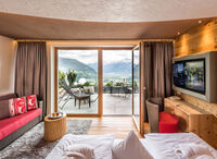 Piz Lun suite with small children's bedroom