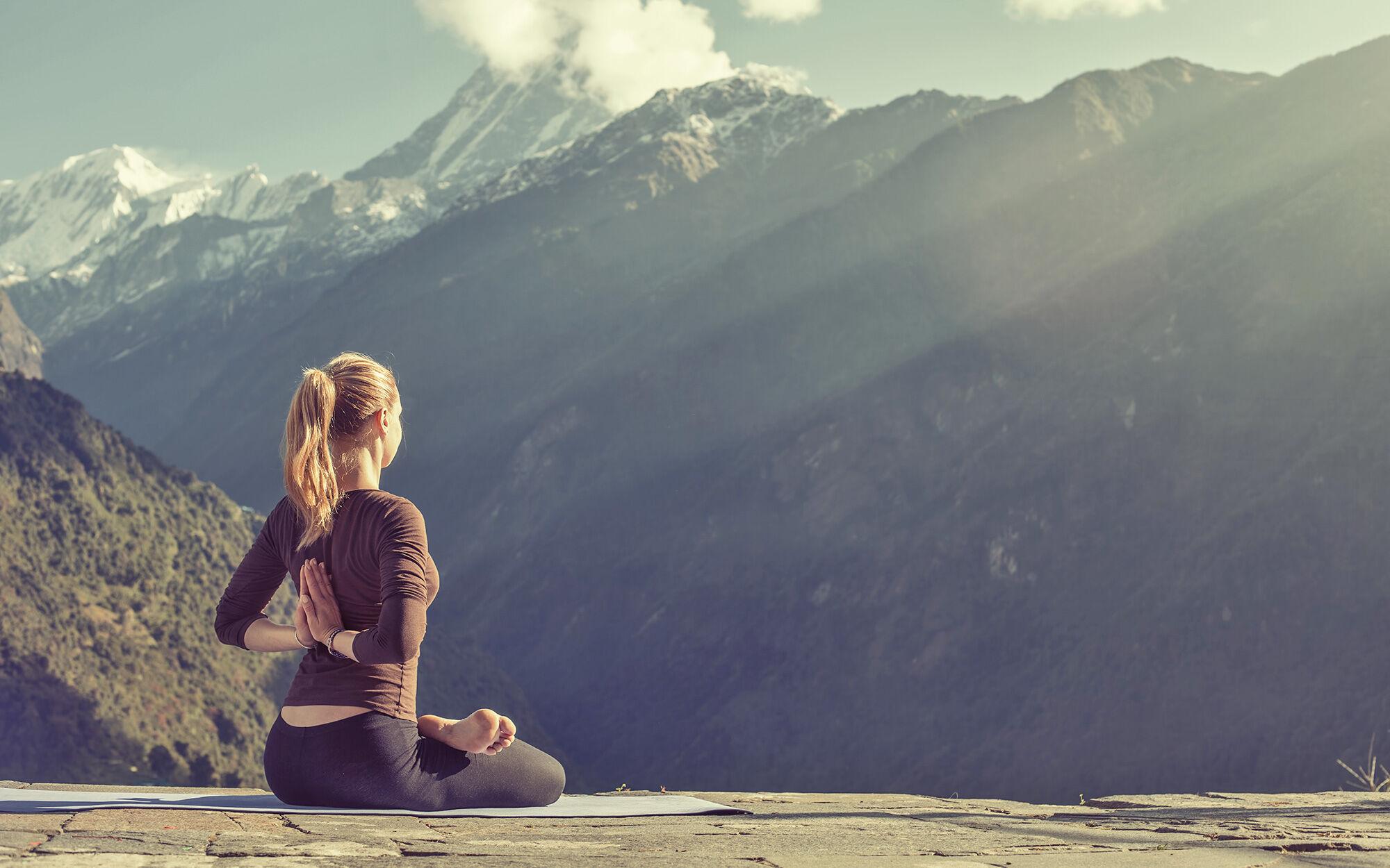 Yoga in den Bergen |